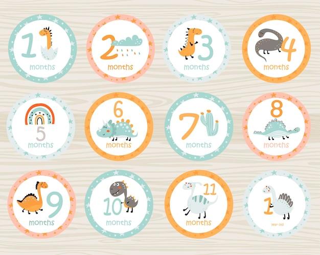 Adesivos de bebê mensais com dinossauros e itens. cartões para impressão