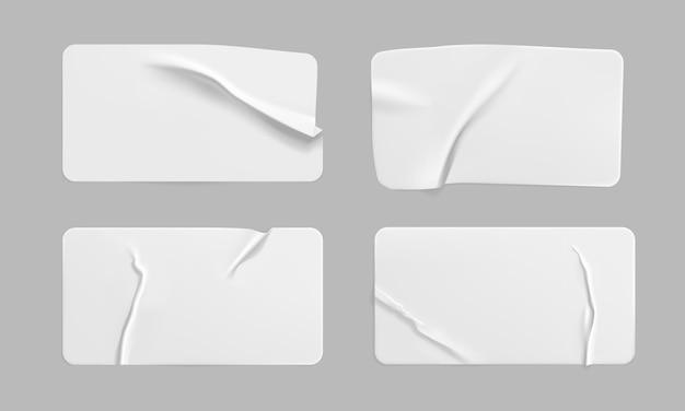 Adesivos em branco de papel amassado