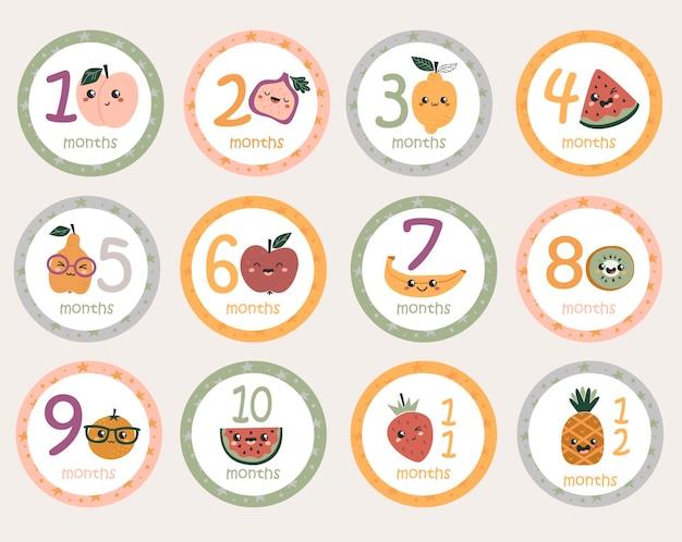 Adesivos redondos mensais de bebê com frutas kawaii.