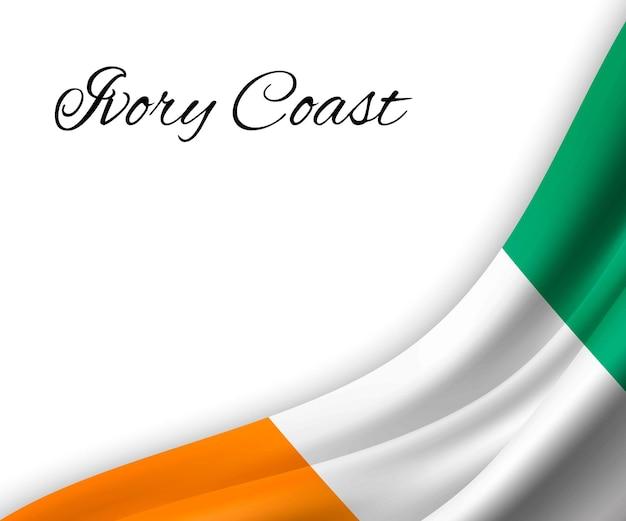 Agitando a bandeira da costa do marfim em fundo branco.