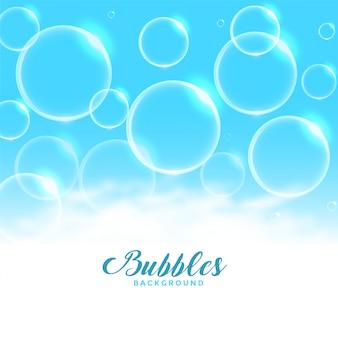 Água azul ou sabão flutuando fundo de bolhas