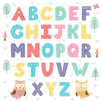 Alfabeto de floresta engraçado para crianças.