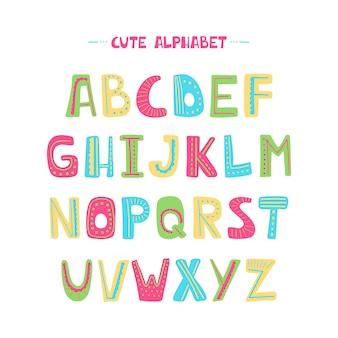 Alfabeto dos desenhos animados para crianças em branco.