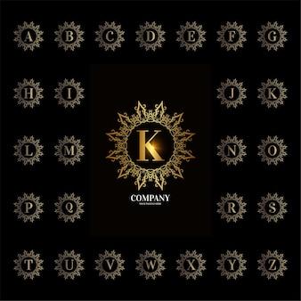 Alfabeto inicial da coleção com moldura floral de ornamento de luxo