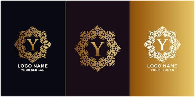 Alfabeto inicial da letra y com modelo de logotipo de moldura floral de ornamento de luxo.
