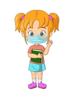 Aluna de desenho animado usando máscaras higiênicas e segurando um livro