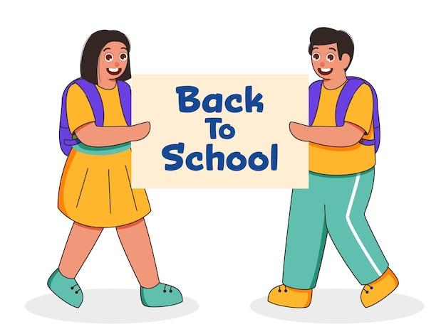 Aluno alegre e menina segurando a placa de mensagem de volta à escola em fundo branco.