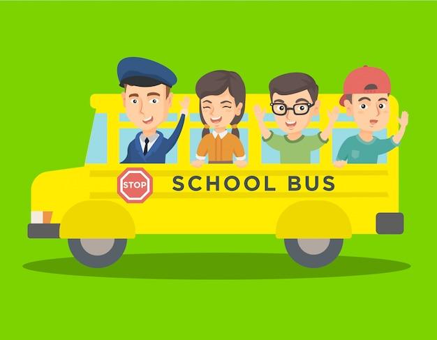 Alunos caucasianos que montam um ônibus escolar amarelo.
