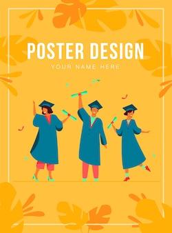 Alunos diversos e felizes comemorando a formatura na escola ou faculdades, segurando modelos de pôster de diplomas e certificados