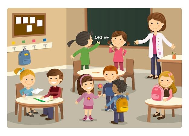 Alunos e professor iniciando aula na escola