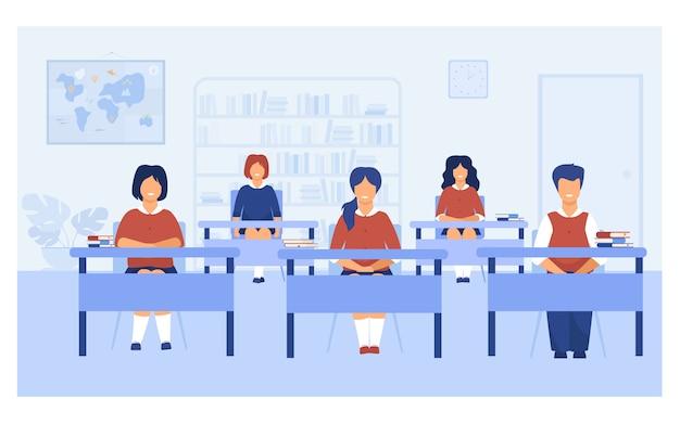 Alunos inteligentes estudando em sala de aula