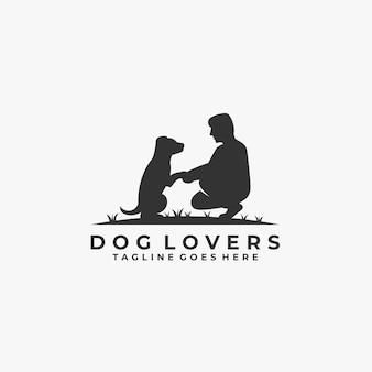 Amantes do cão com logotipo da silhueta do homem.