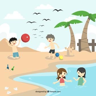 Amigos alegres que jogam na praia