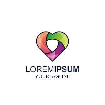 Amor escudo linha e cor incrível inspiração logotipo
