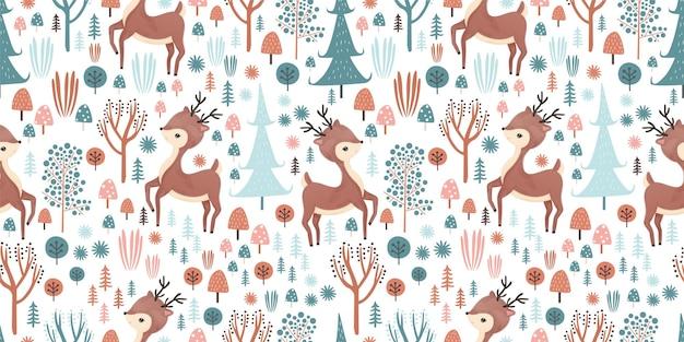 Animais adoráveis e floresta em padrão uniforme