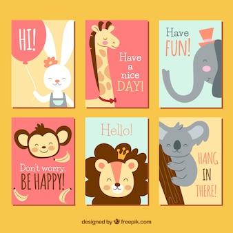 Animais bonitos em cartões coloridos