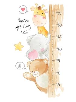 Animais fofos amigos com gráfico de crescimento de medida de altura de madeira