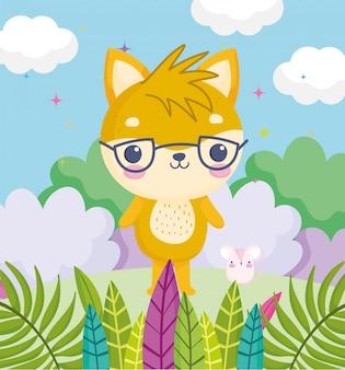 Animais fofos, gatinho com óculos e rato grama deixa nuvens