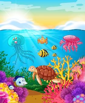 Animais marinhos nadando sob o oceano