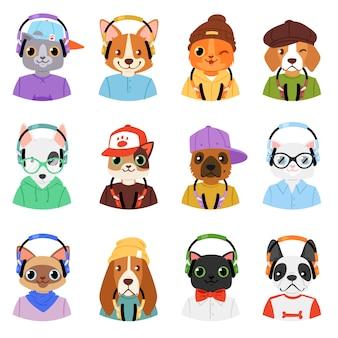 Animal em fones de ouvido personagem animalesca gato ou cachorro em fones de ouvido escutando conjunto de ilustração de música dos desenhos animados cachorrinho selvagem e gatinho dj no arnês ou fones de ouvido no fundo branco