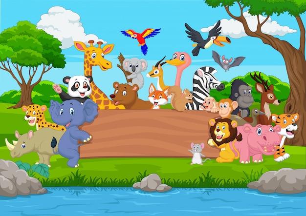 Animal selvagem dos desenhos animados com placa em branco na selva