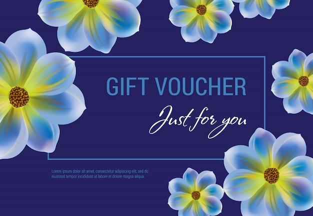 Apenas para você voucher de oferta com flores e moldura em fundo azul escuro.