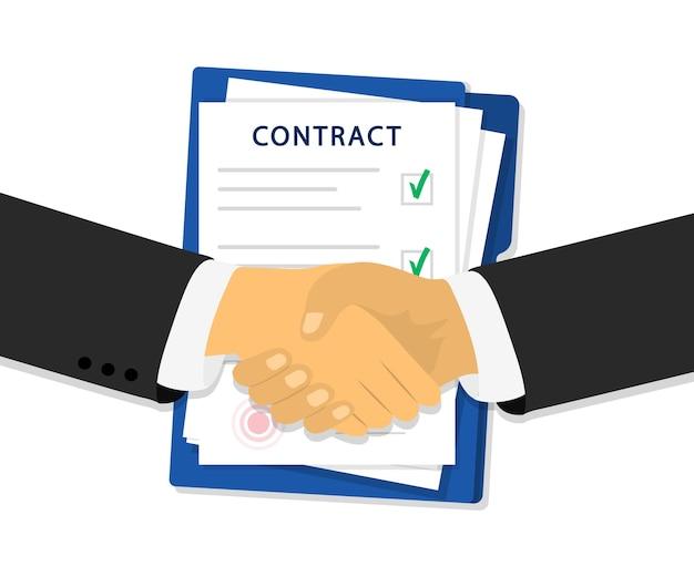 Aperto de mão de parceria e documentos com carimbo.