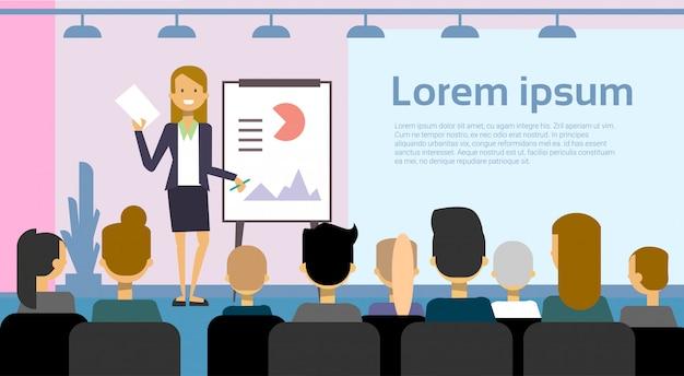 Apresentação de liderança de mulher de negócios ou relatório de conferência