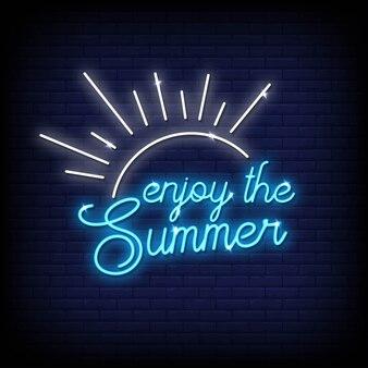 Aproveite o sinal de néon de verão