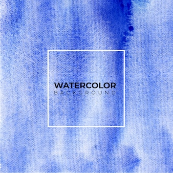 Aquarela azul abstrata sobre fundo branco. os salpicos de cor no papel.