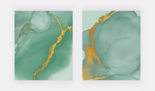 Aquarela de tinta álcool verde com origens de textura de glitter dourados.