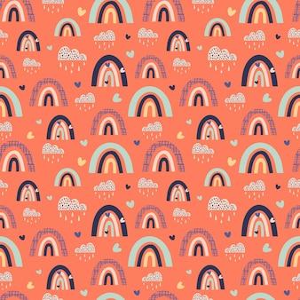 Arco-íris abstratos multicoloridos com nuvens em padrão sem emenda de vetor de fundo laranja