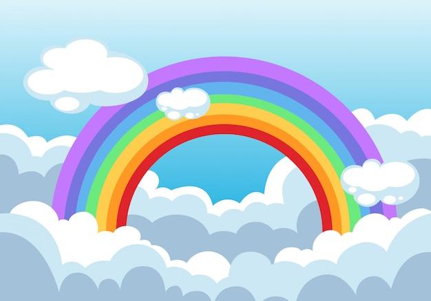 Arco-íris e nuvens no fundo do céu