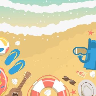 Areia e água do mar da vista superior com elementos de férias de verão