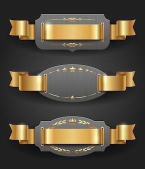 Armações de metal ornamentadas com decoração dourada e fitas