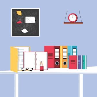 Arquive livros com óculos e suprimentos no local de trabalho