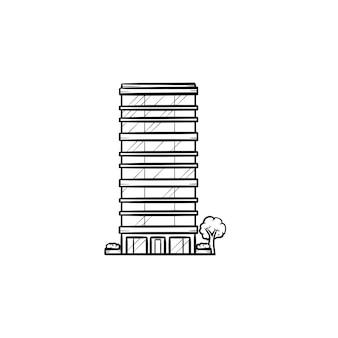 Arranha-céu com ícone de doodle de contorno desenhado de mão de árvores. imobiliário de escritório comercial e conceito de horizonte da cidade