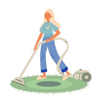 Arrumação de menina loira jovem, limpar a sala com aspirador de pó.