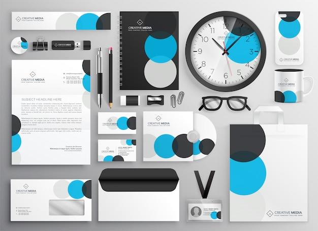 Artigos de papelaria criativo círculo definido para branding de negócios
