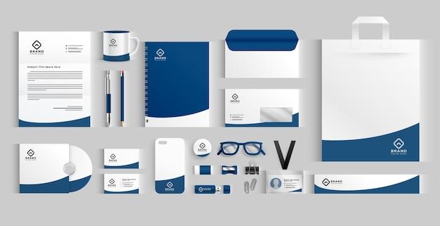 Artigos de papelaria de negócios elegantes definidos na cor azul