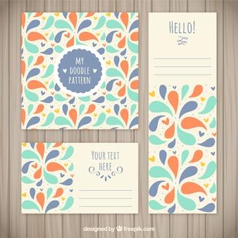 Artigos de papelaria do doodle colorido