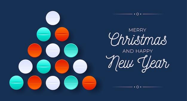 Árvore de natal médica criativa feita de bolas de bugiganga brancas para a celebração do natal e ano novo. comprimidos de medicamentos e pílulas de saúde, bugigangas de natal