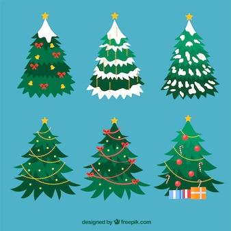 Árvores de natal decoradas de forma plana