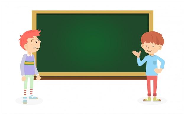 As crianças felizes e bonitos da escola falam com o amigo conceito de educação e dia das crianças.