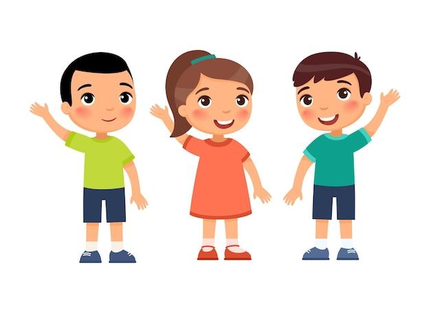 As crianças levantam as mãos em concordância.