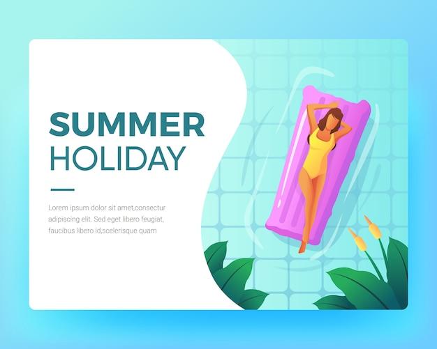 As mulheres relaxam na piscina no verão