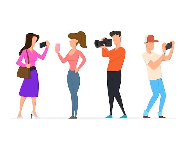 As pessoas gravam vídeos e fotos em smartphones, telefones e câmeras.