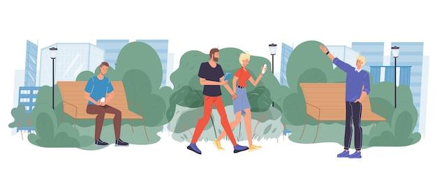 As pessoas olham para a tela do gadget em caminhada no parque urbano.