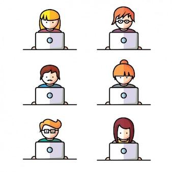 As pessoas que usam laptops