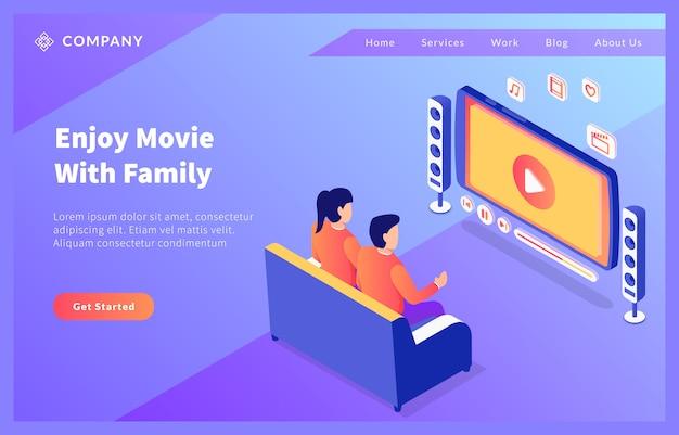 Assistindo entretenimento online de cinema em casa com casal homem e mulher com estilo plano isométrico